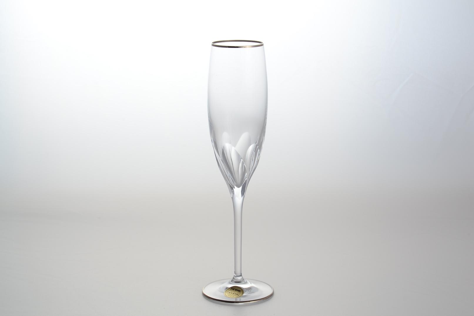 Фото стеклянного бокала
