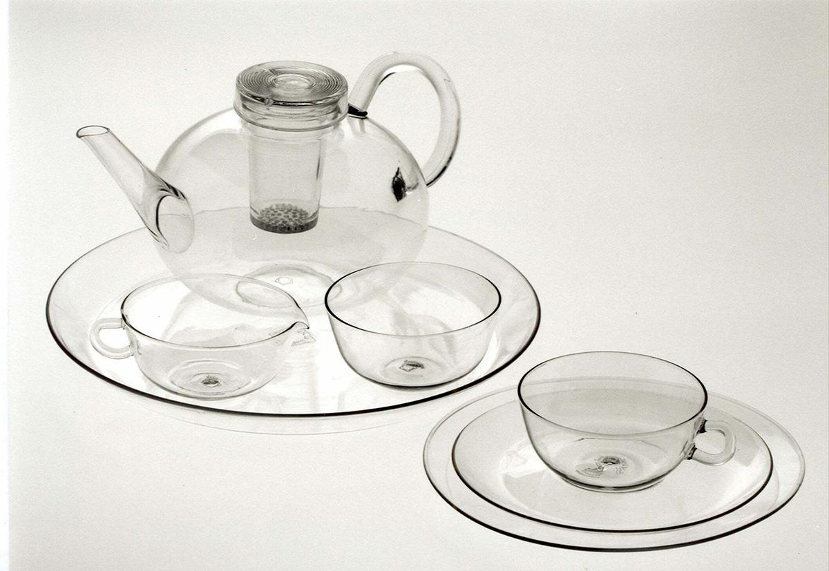 Фото чайного сервиза из стекла
