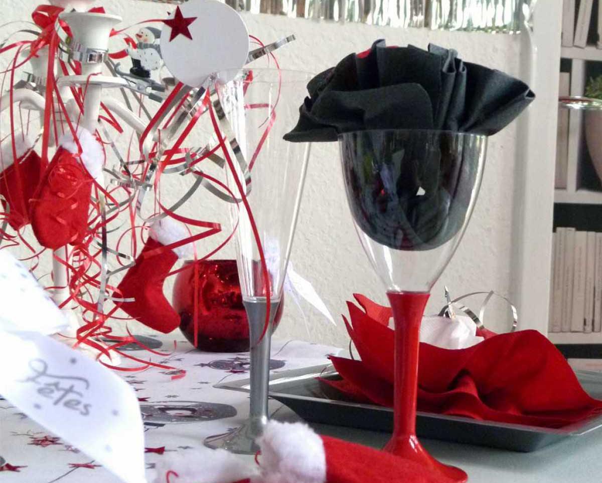Фото цветка из салфетки в бокале