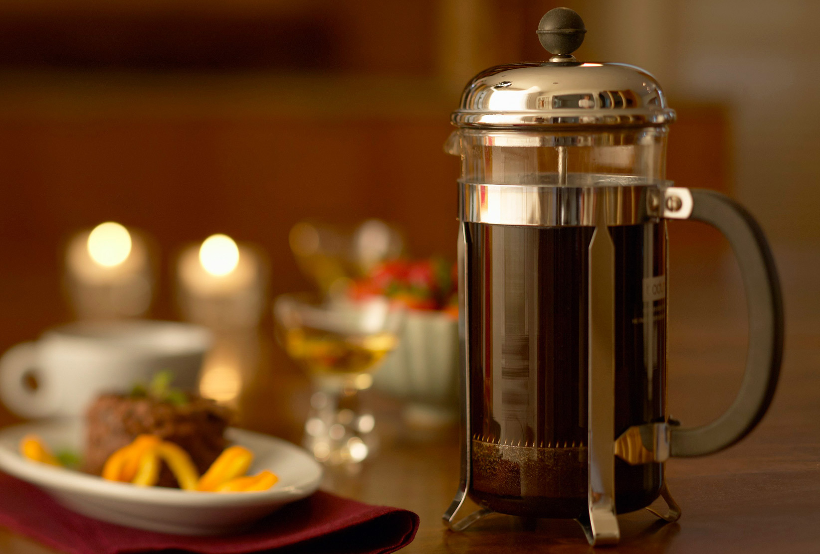 Фото френч-пресса с кофе