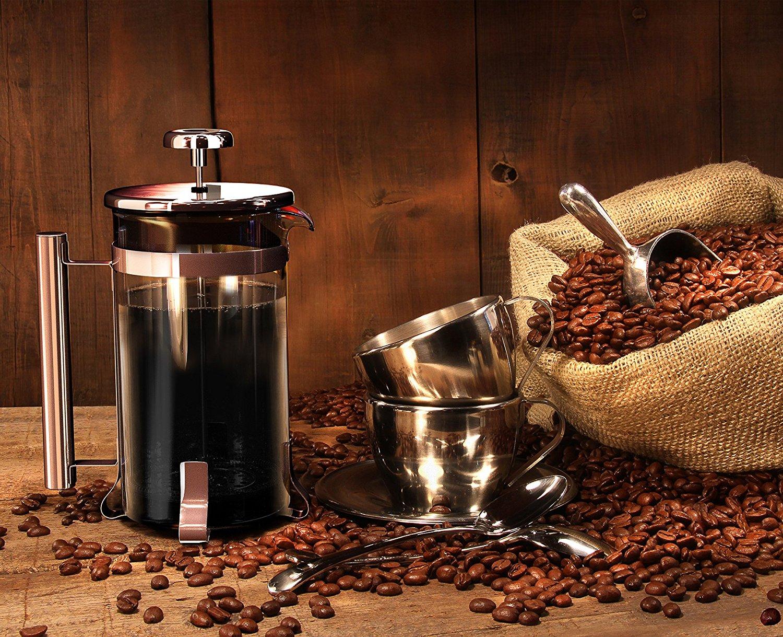 Френч-пресс с зернами кофе