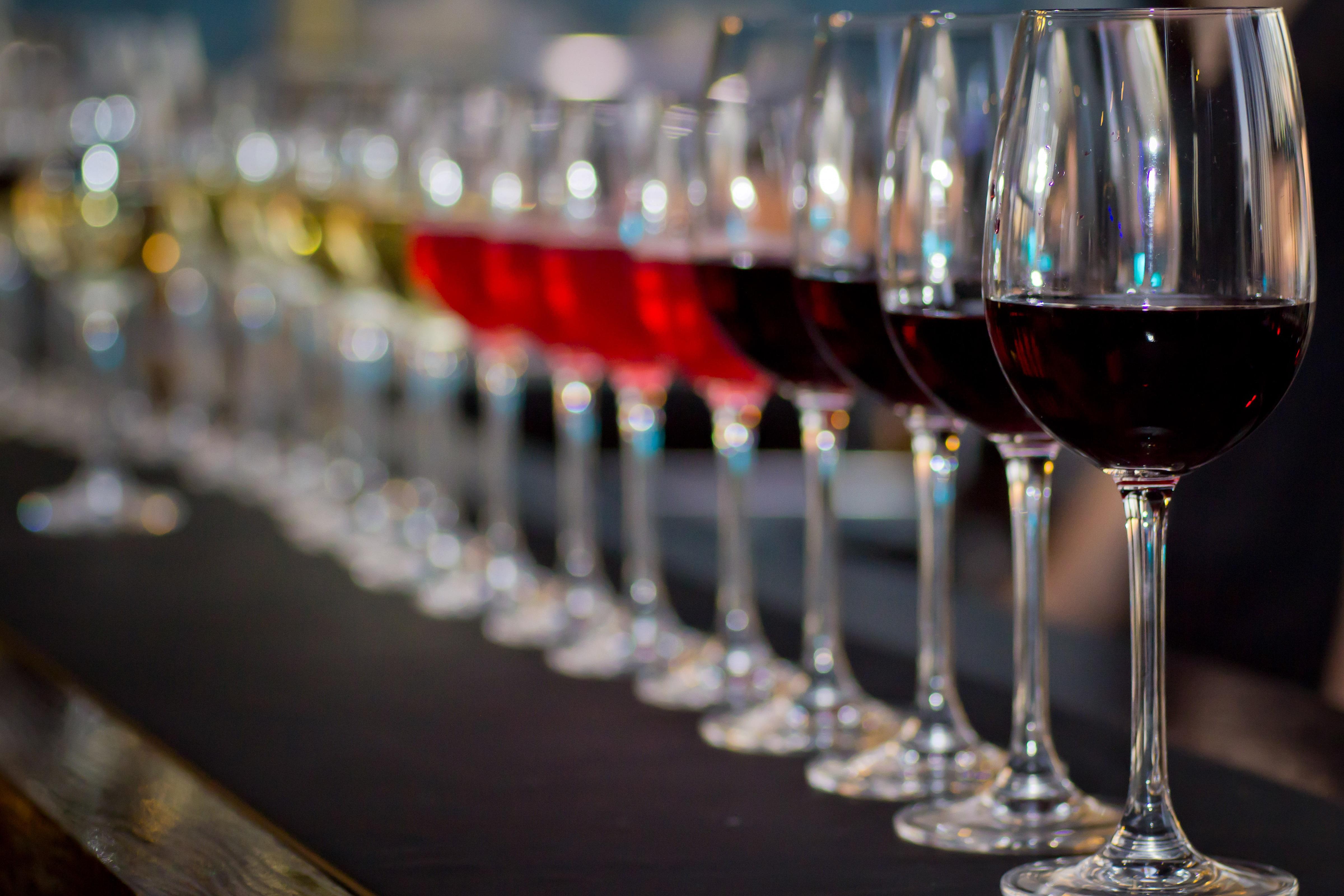 Фужеры с вином