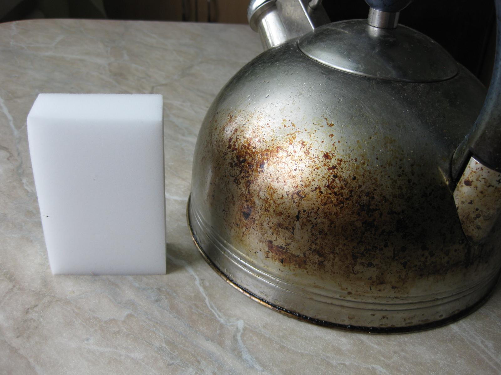 Фото грязного чайника