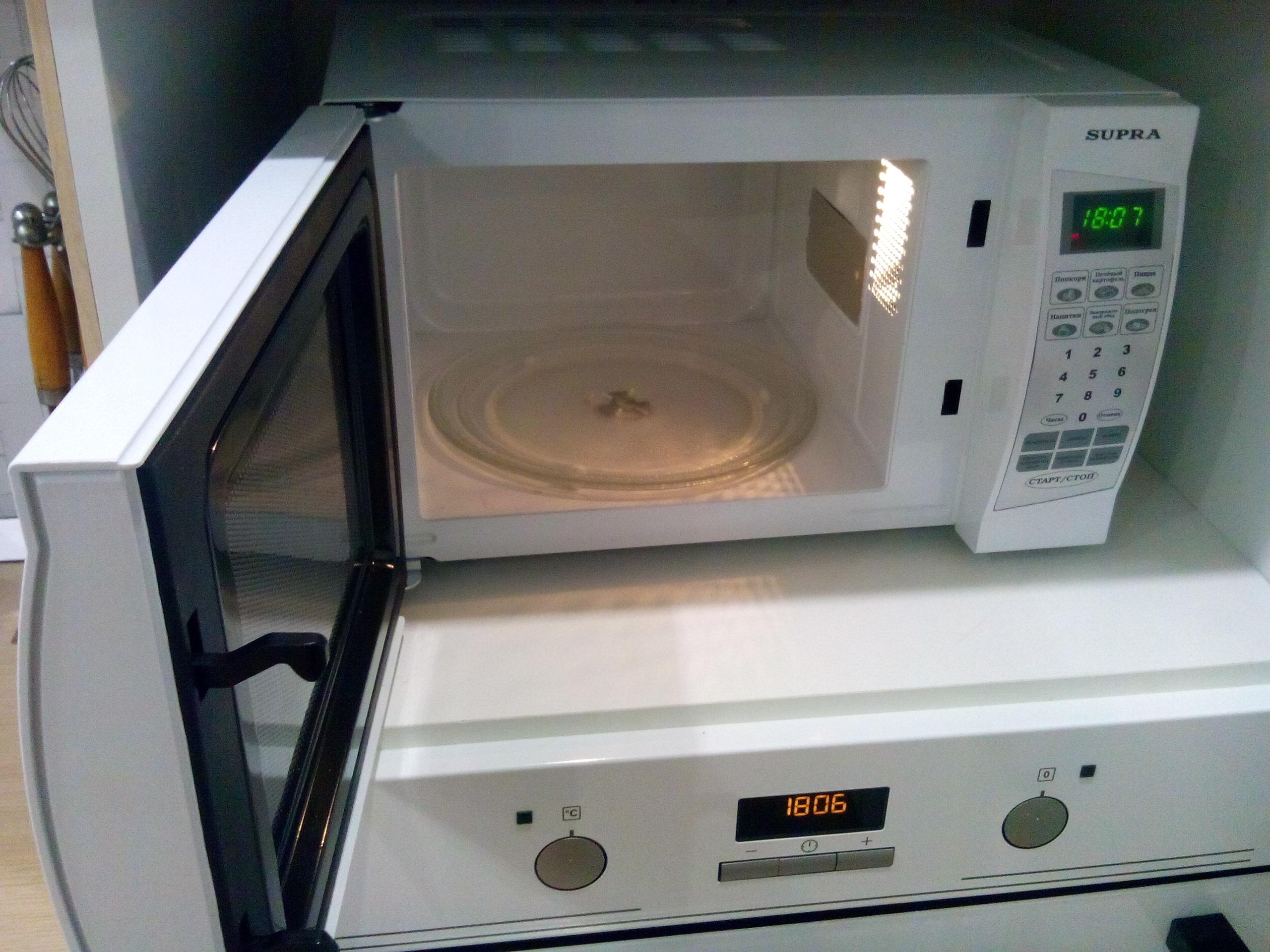 Микроволновка с тарелкой