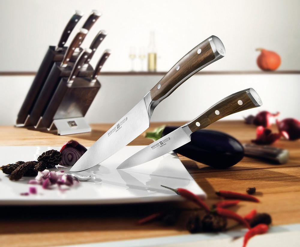 Фото набора ножей