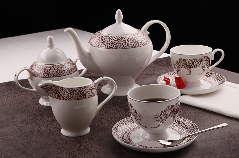 Оригинальный чайный сервиз