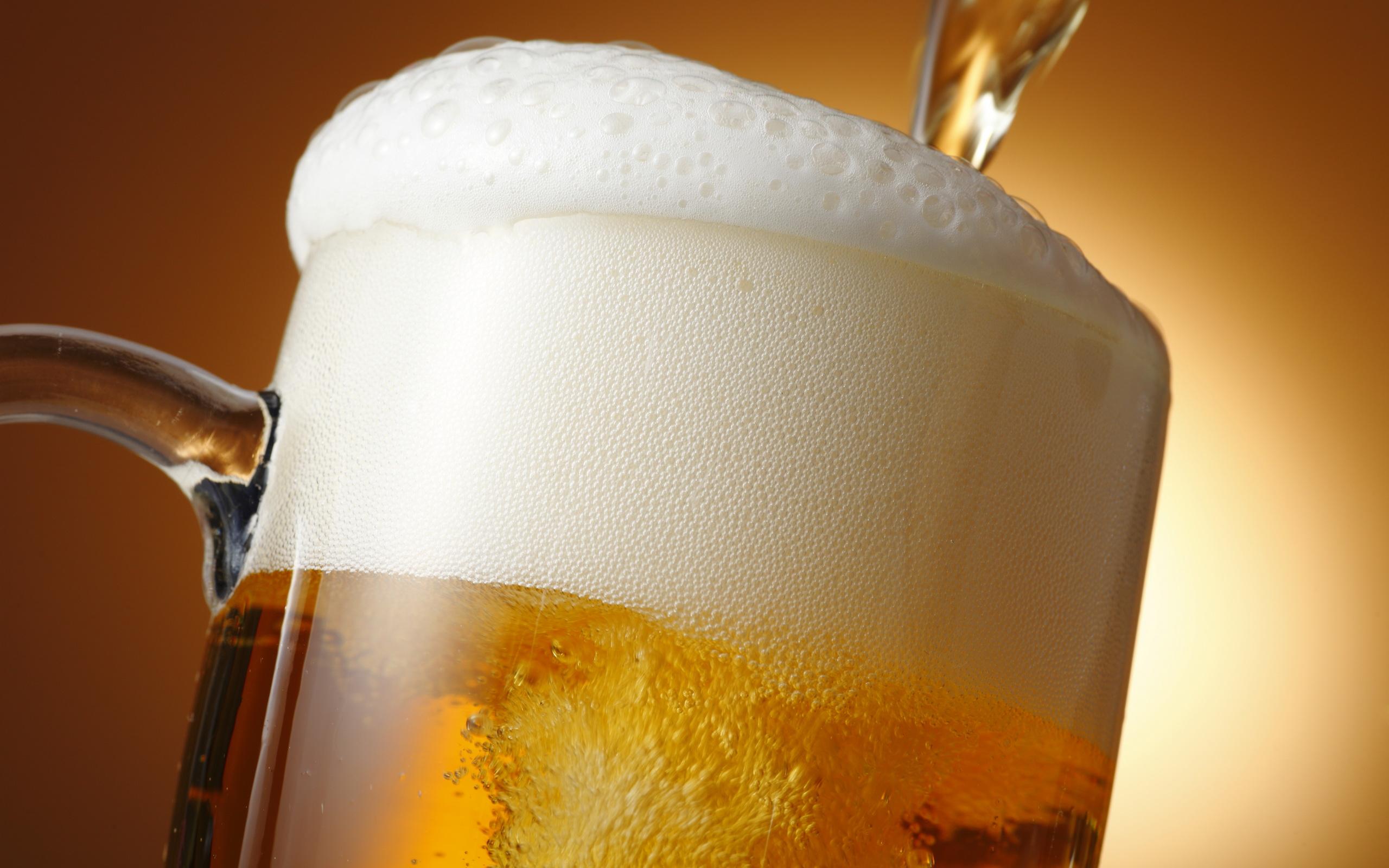 Фото пива с пеной