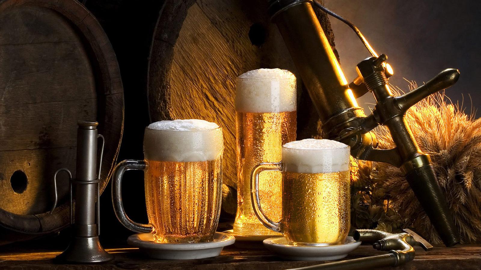 Фото пива в бокалах
