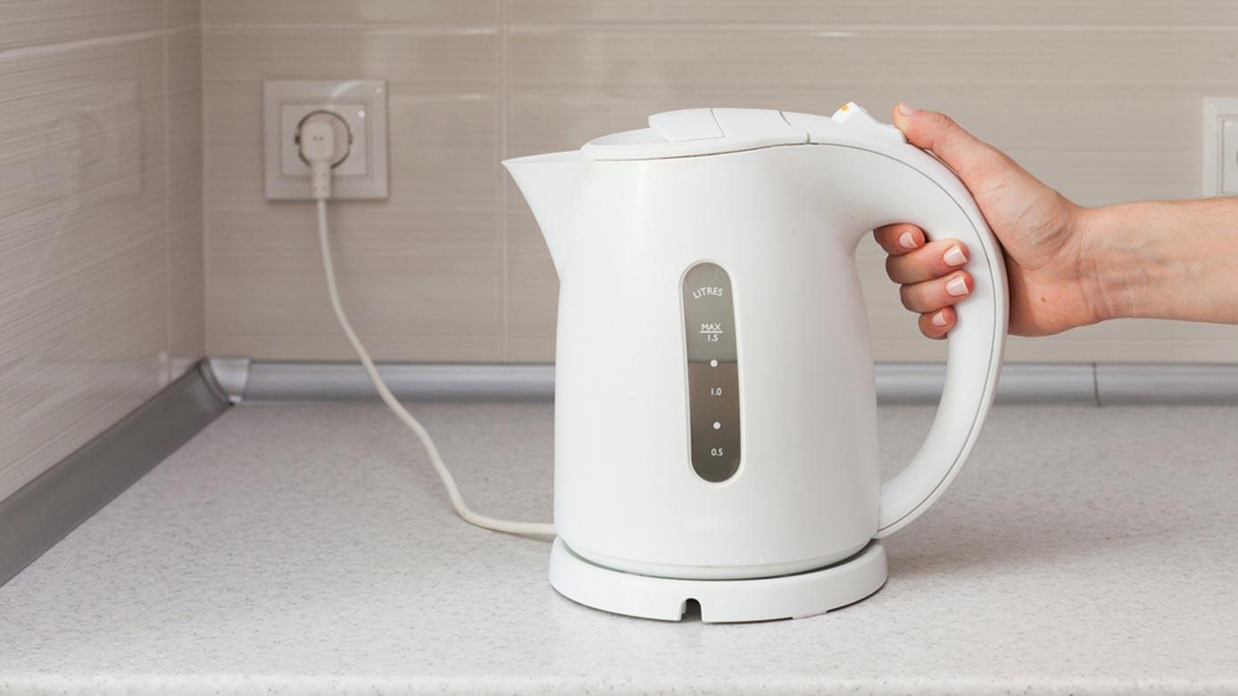 Пластиковый чайник