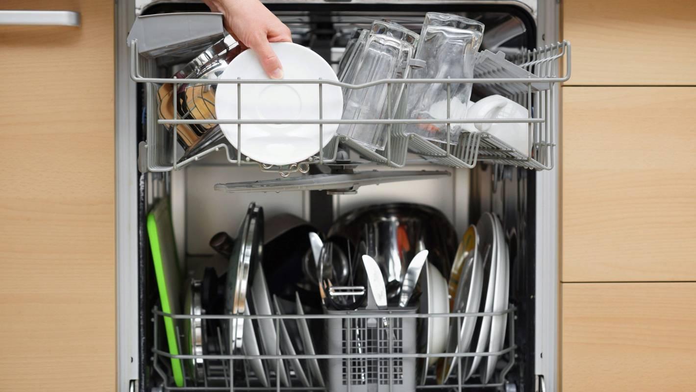 Посуда в посудомоечной машине