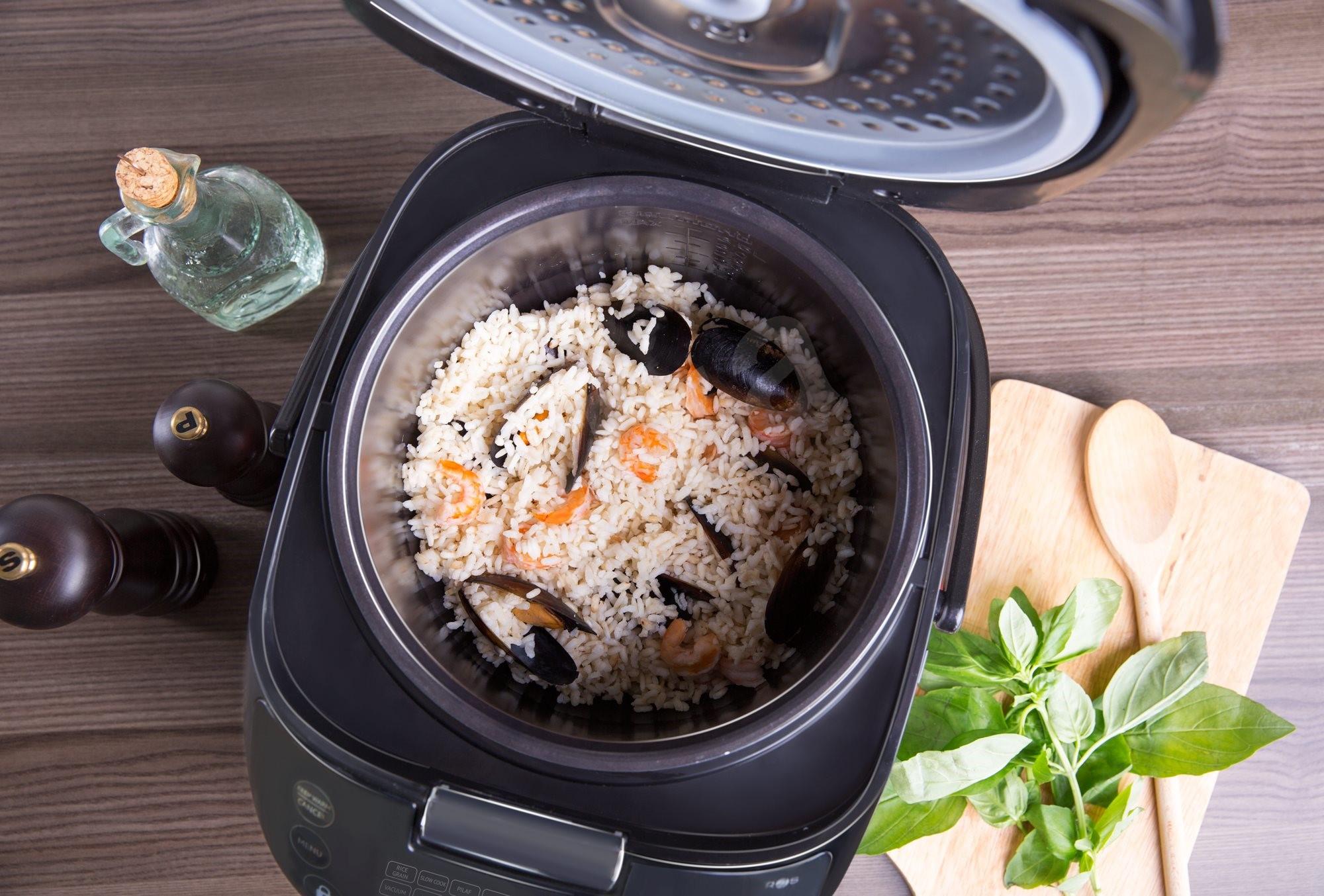 Фото скороварки с едой