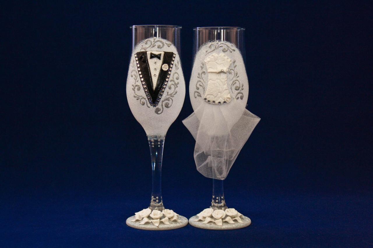 Свадебные бокалы в форме тюльпана