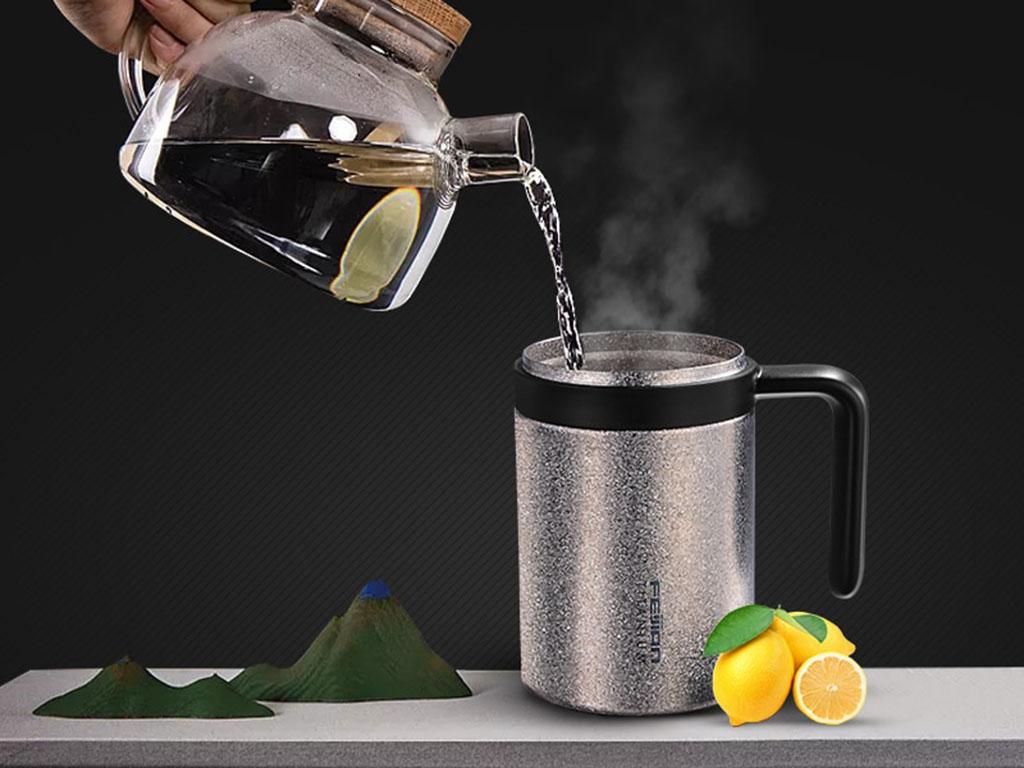 Термокружка с чаем