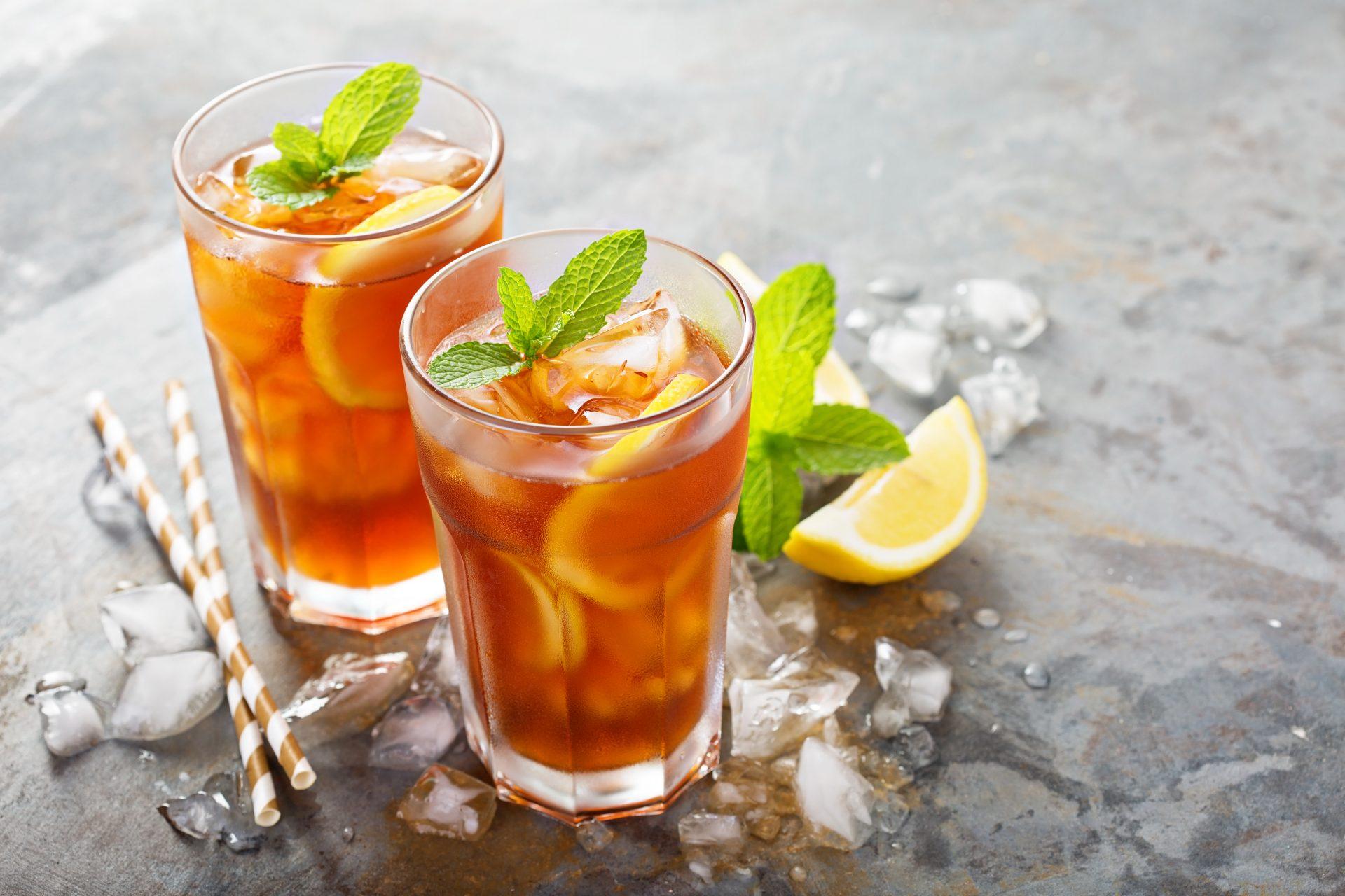 Фото чая в стаканах