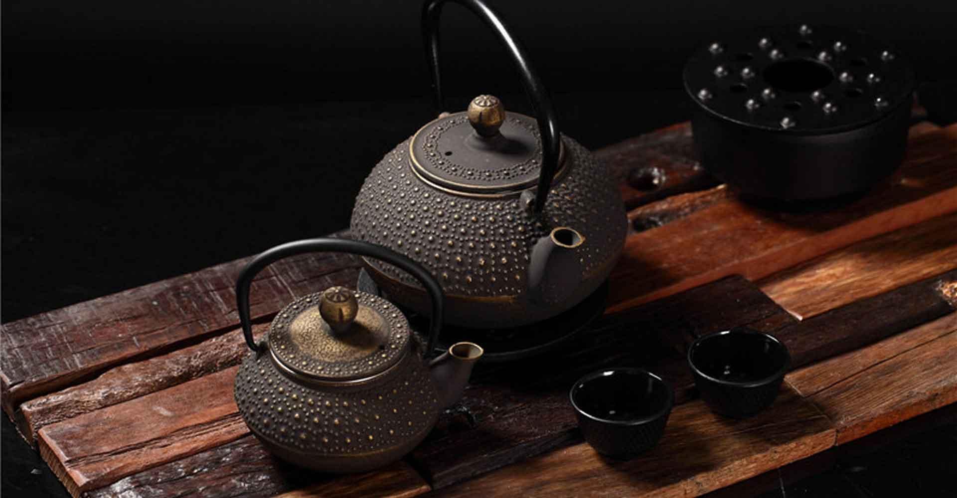 Чайники из чугуна