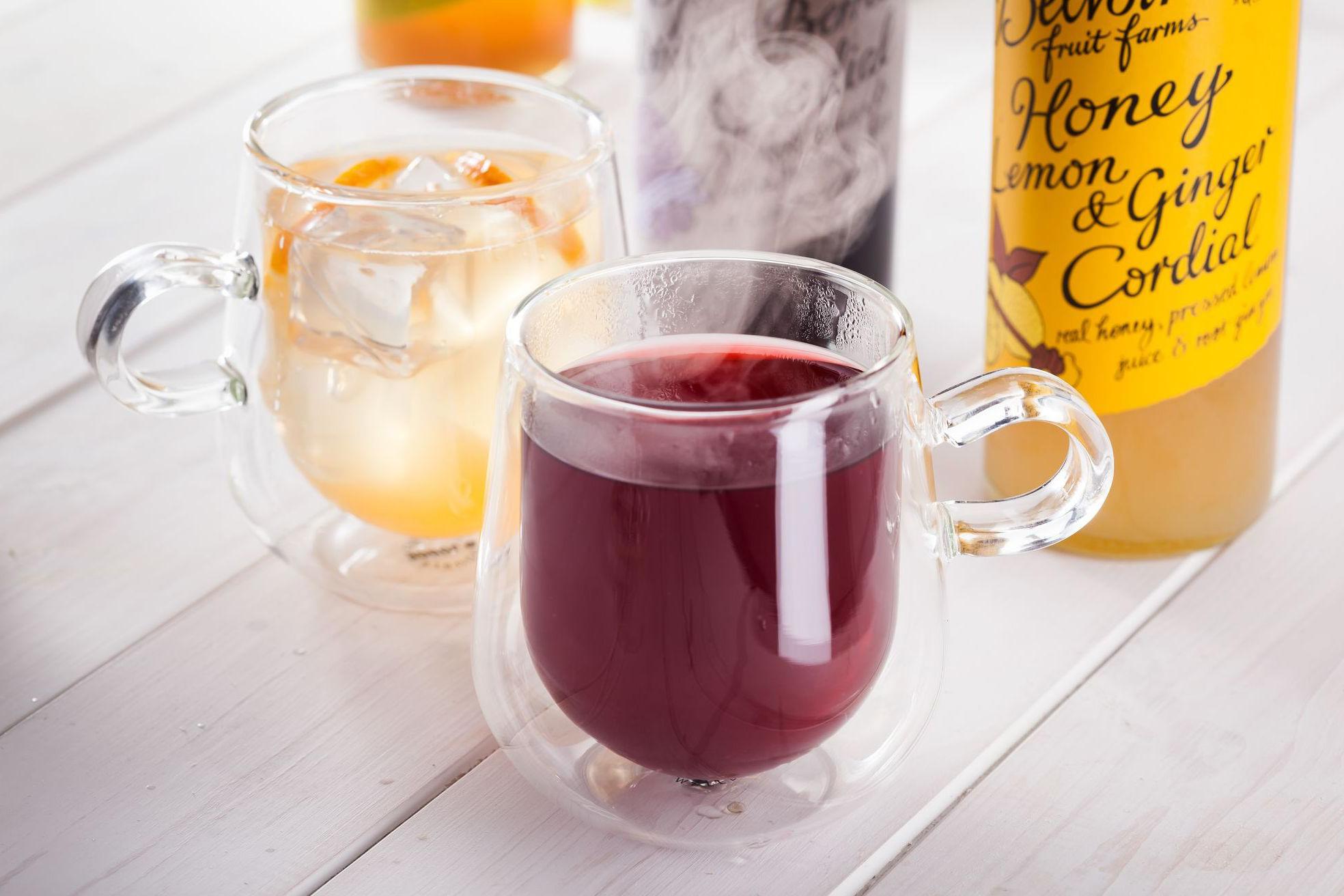 Чашки с напитками