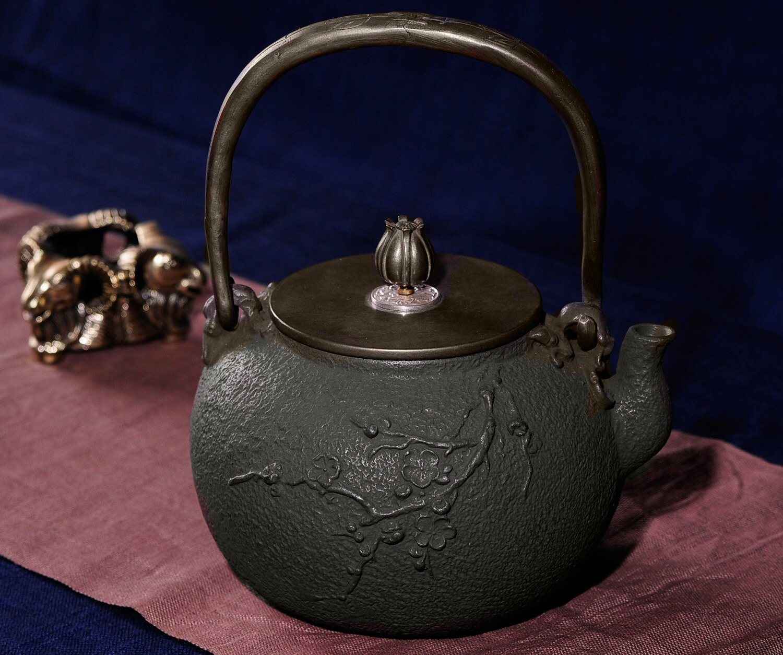 Фото чугунного чайника