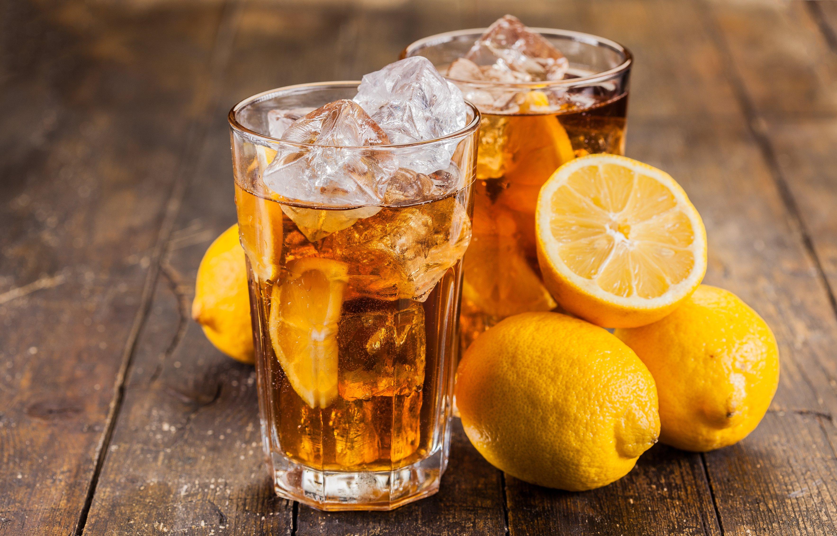 Холодный чай в стаканах