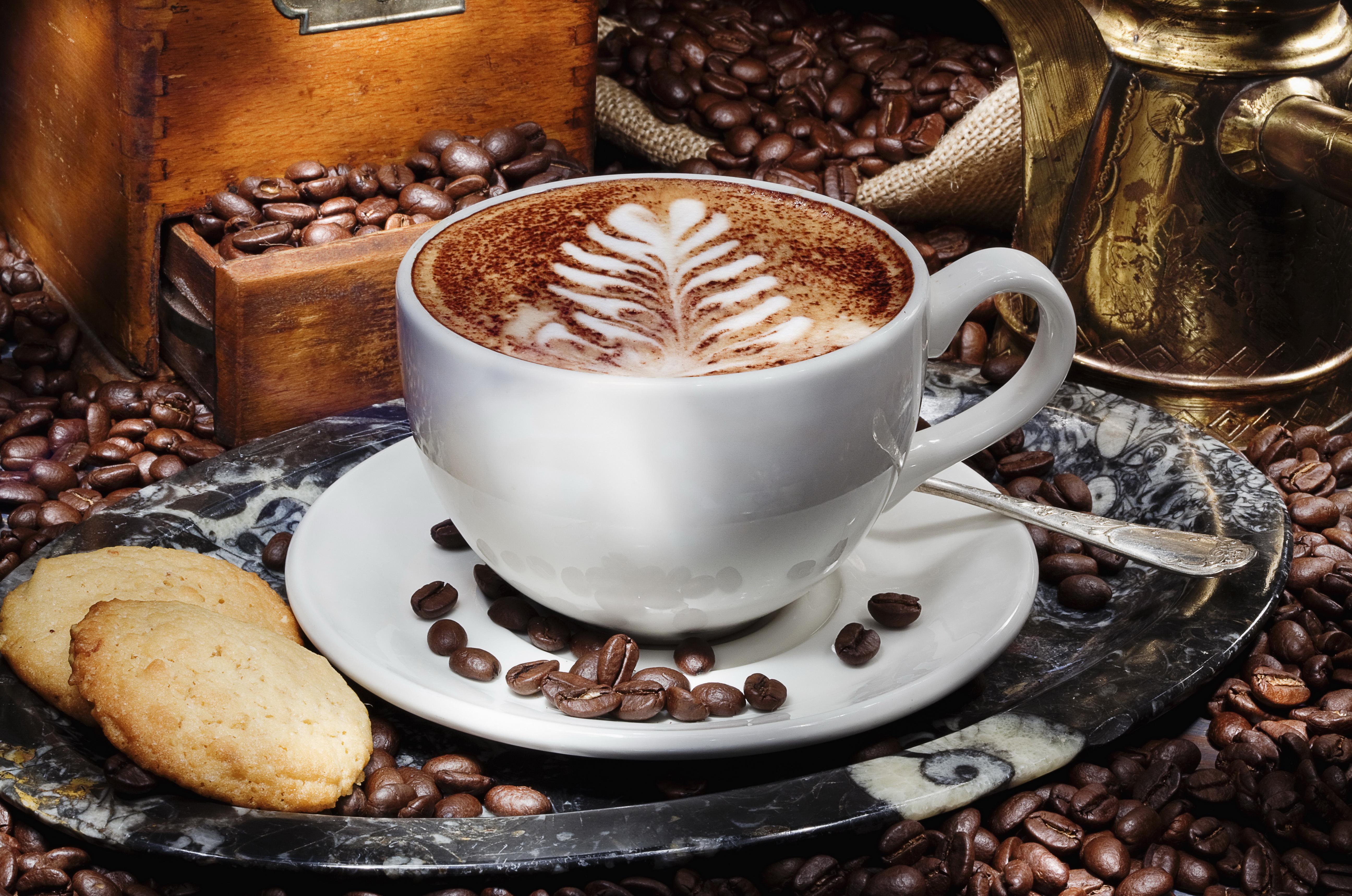 Красивые картинки чашка кофе на столе