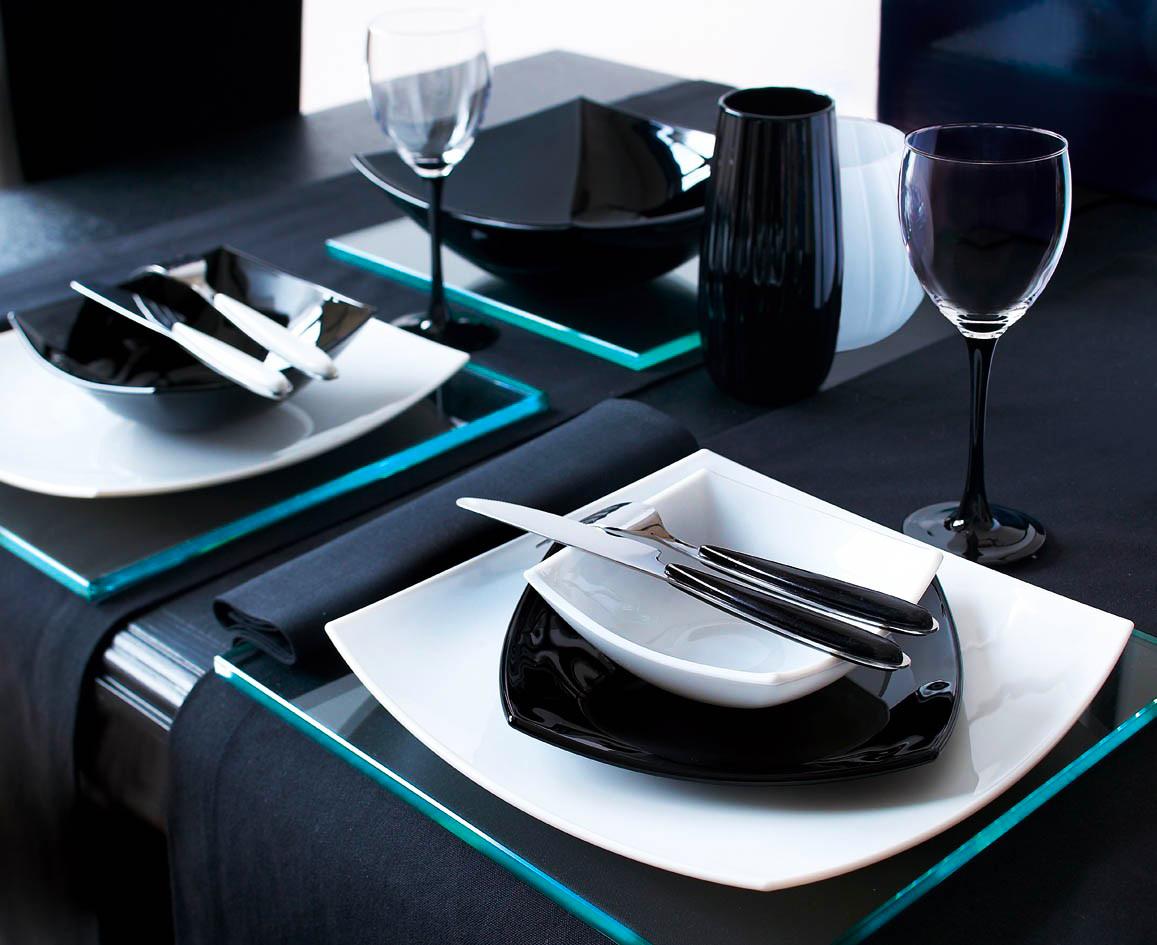 Квадратные однотонные тарелки