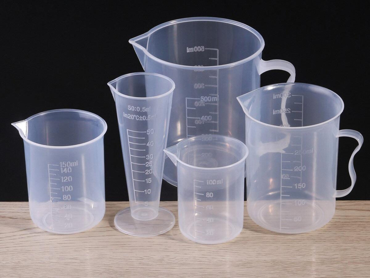 Мерные стаканы разного объема