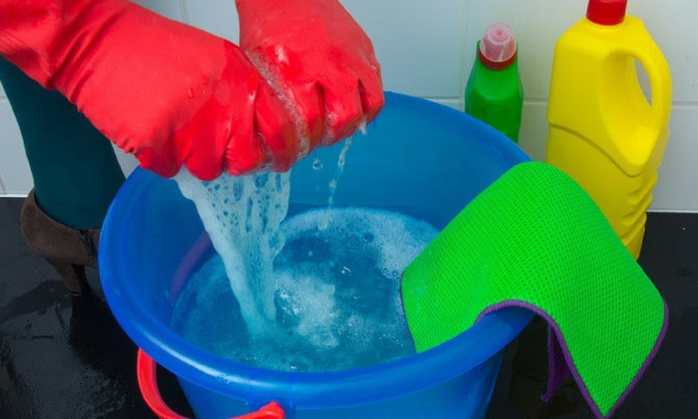 Моющее , разбавленное в воде