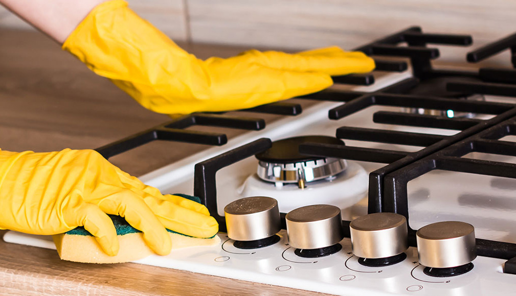 Очистка плиты от жира