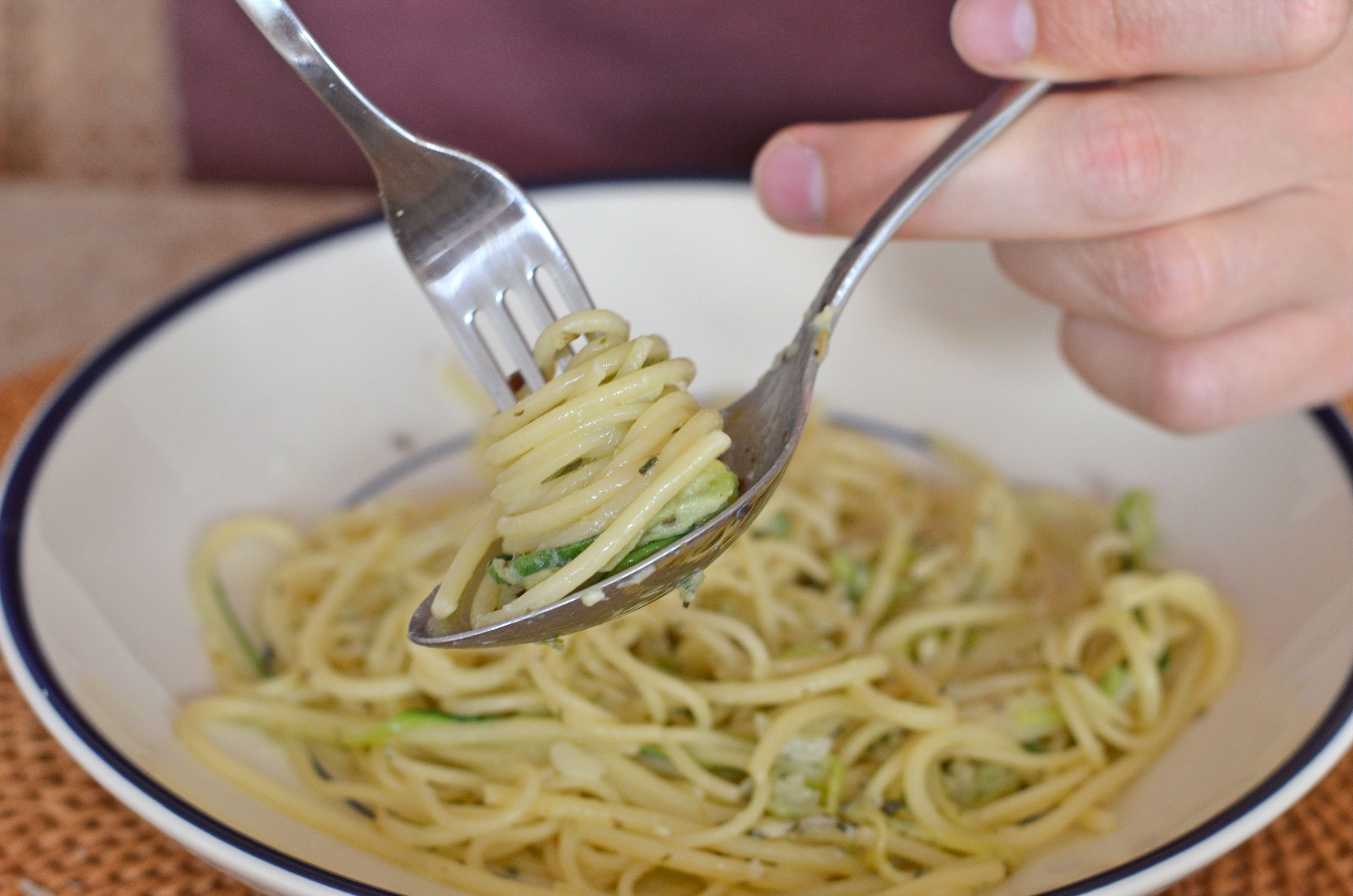 Спагетти в тарелке