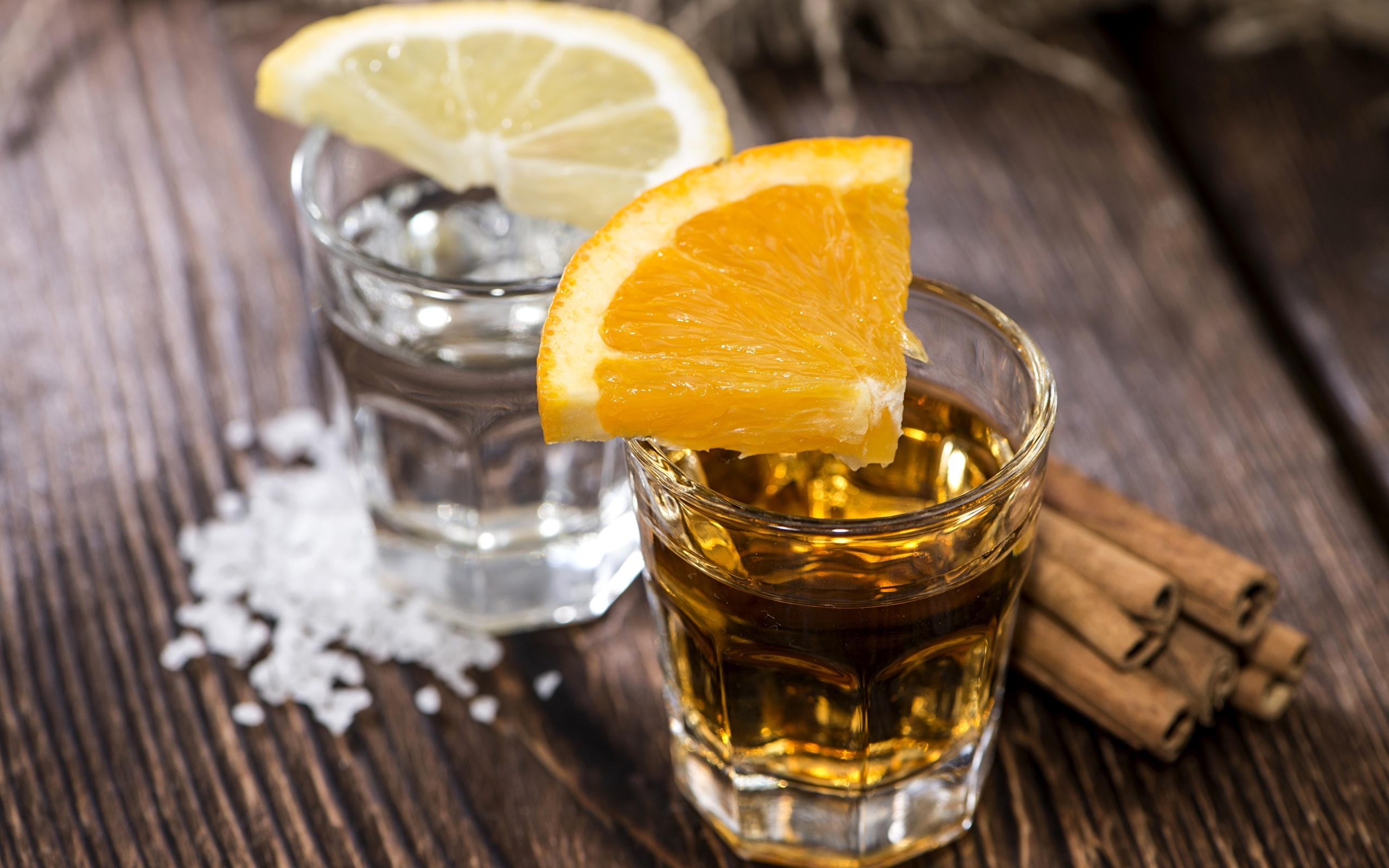 Стопки с алкоголем