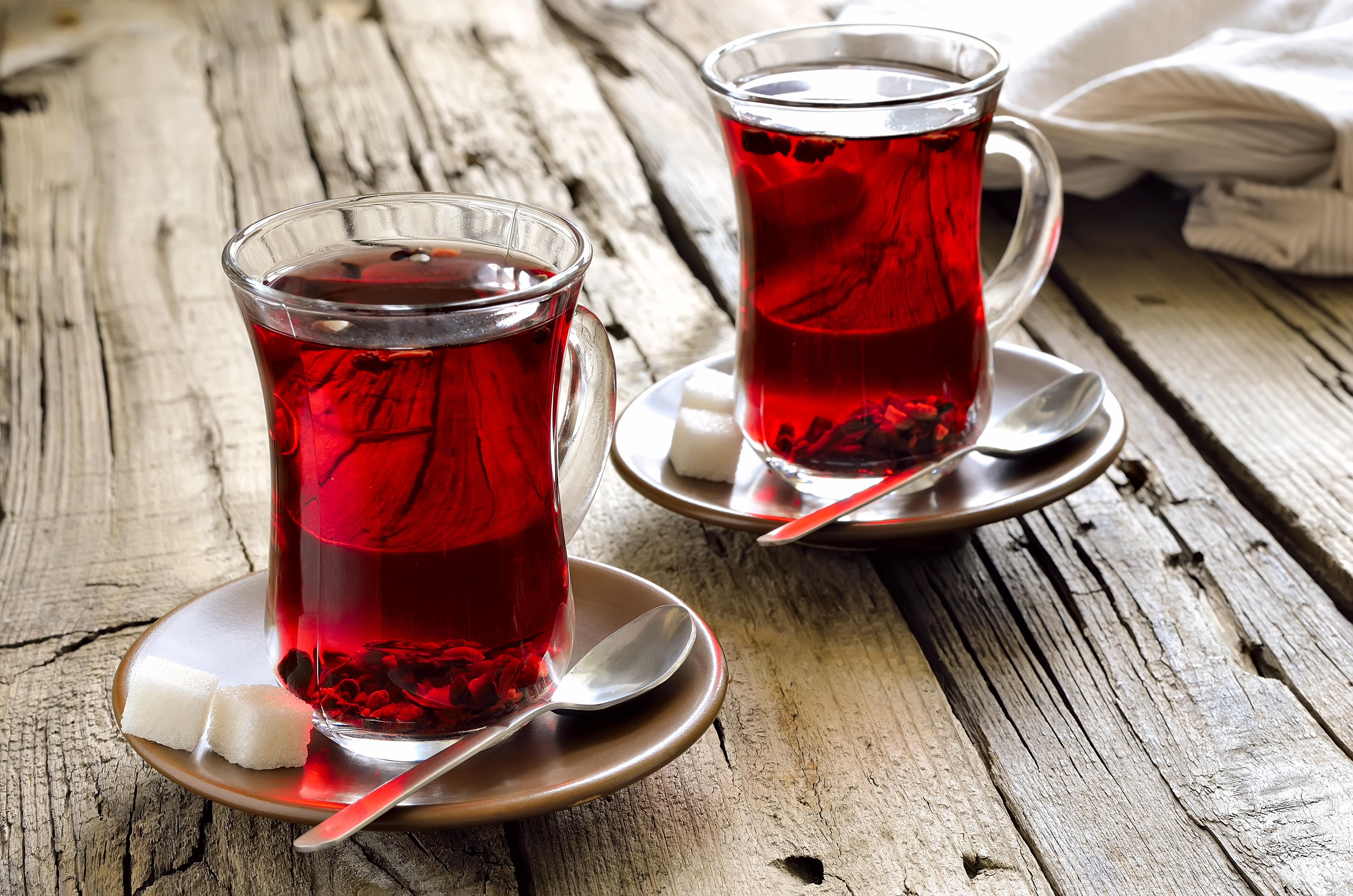 Турецкий чай в чашках