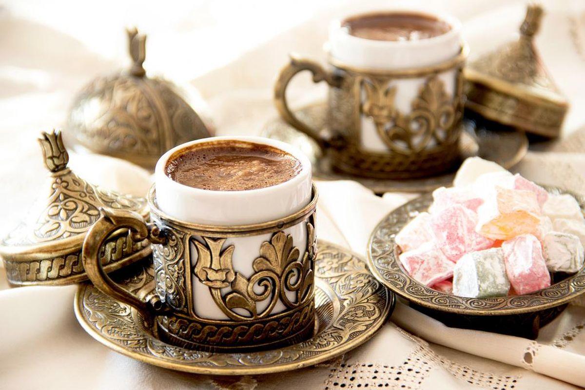 Турецкий кофе в чашке