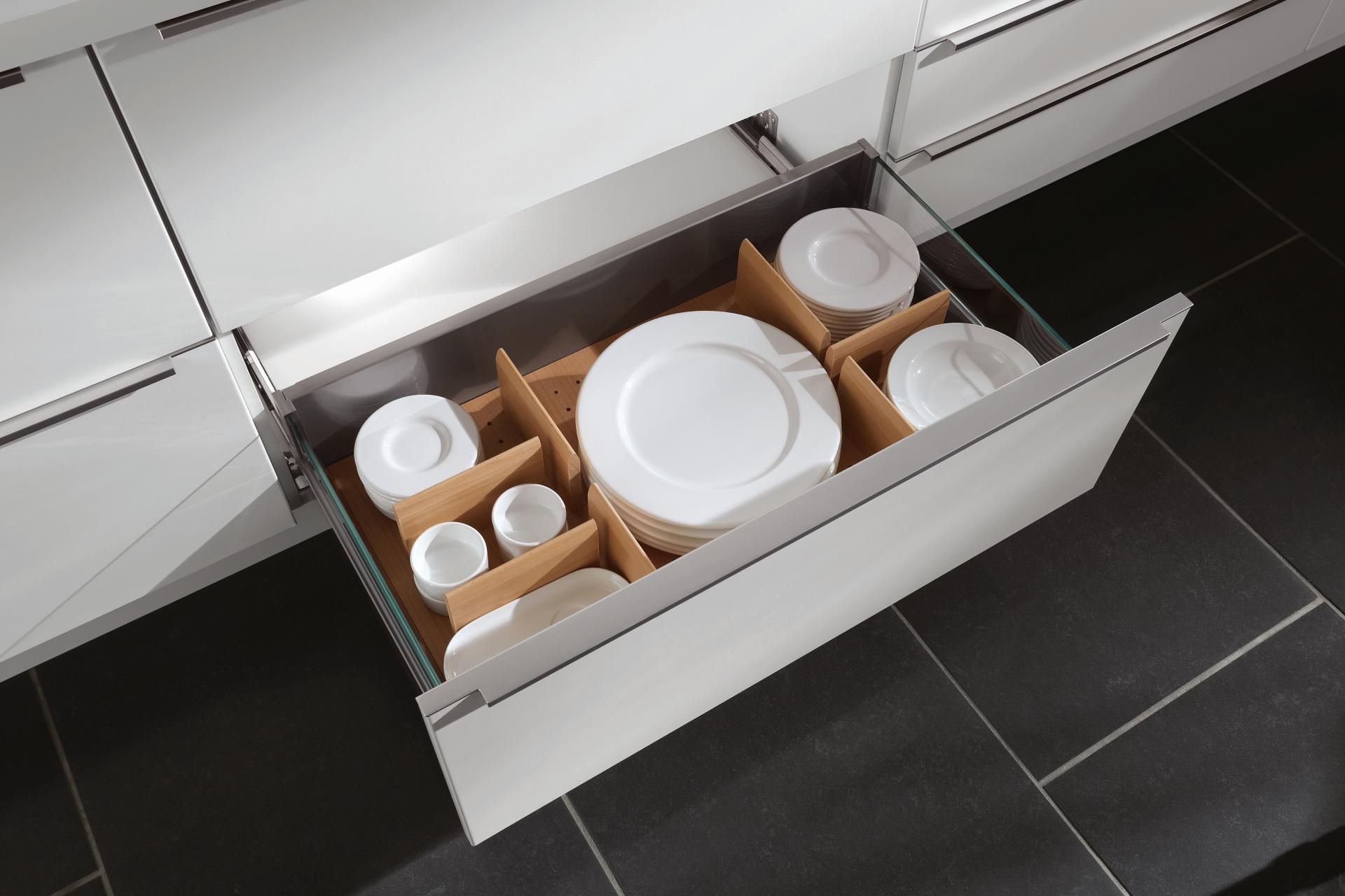 Ящик с отсеками для хранения