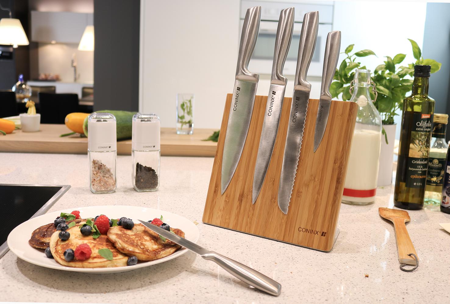 Магнит для ножей на столе