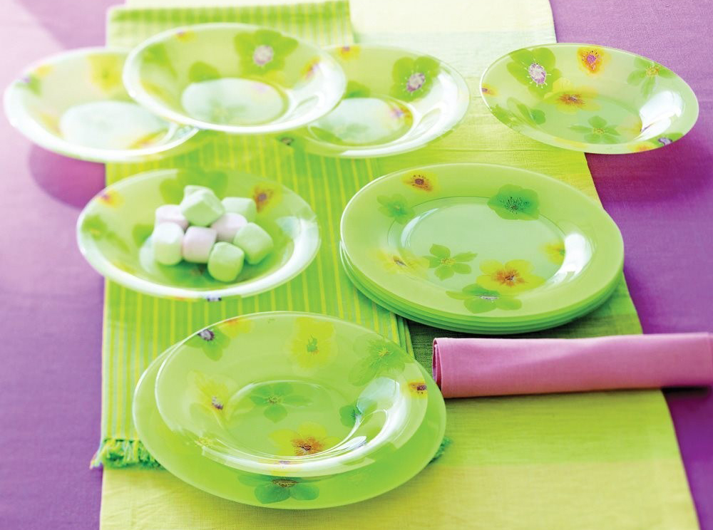 Набор тарелок из стекла