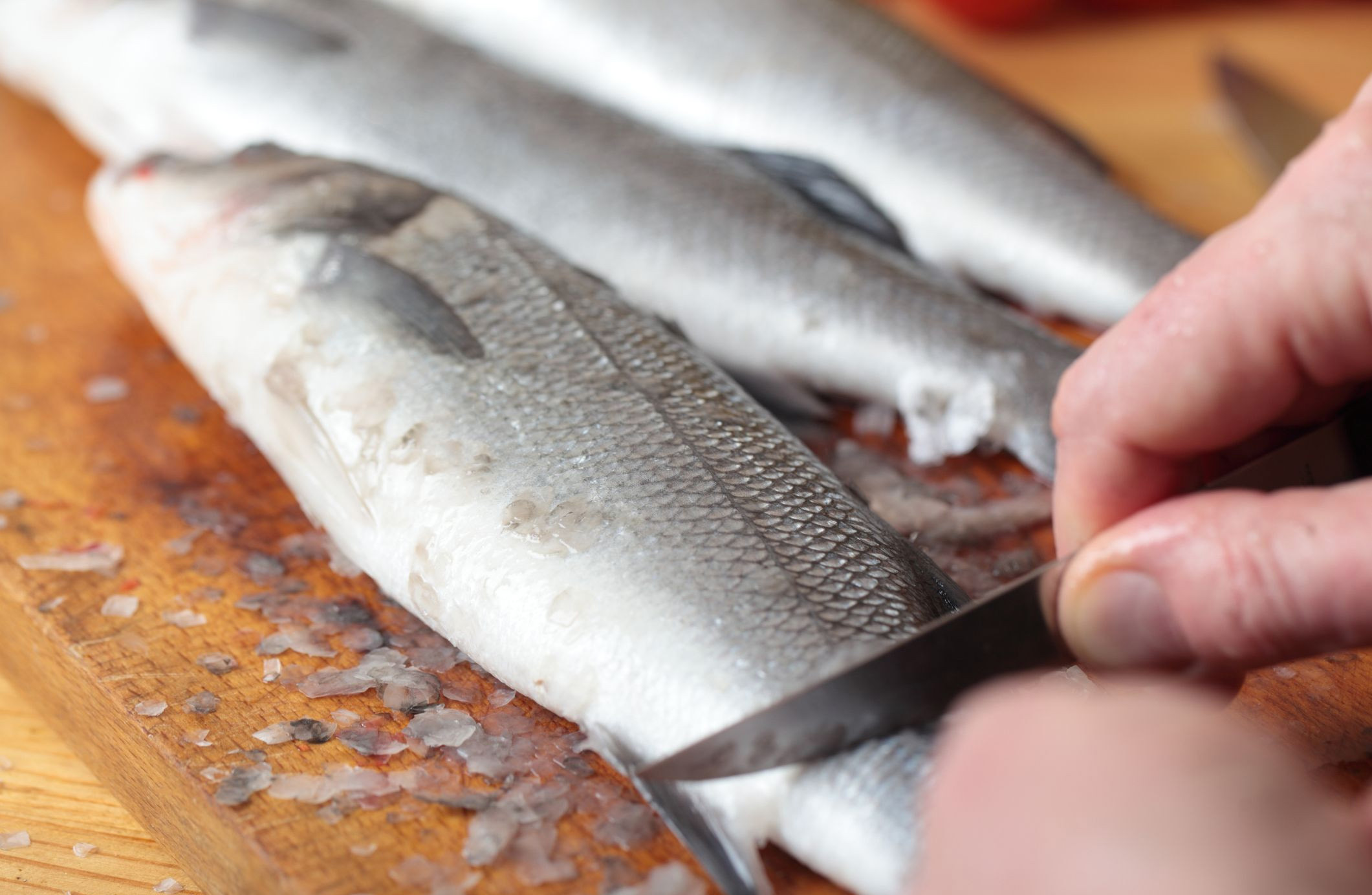Фото чистки рыбы