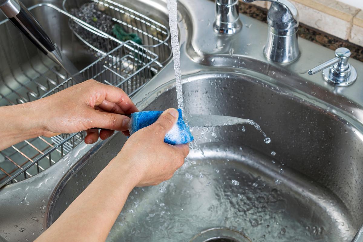 Мытье ножа