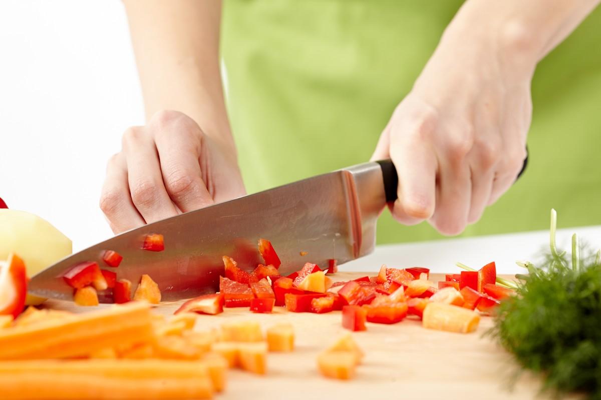 Нарезка овощей ножом