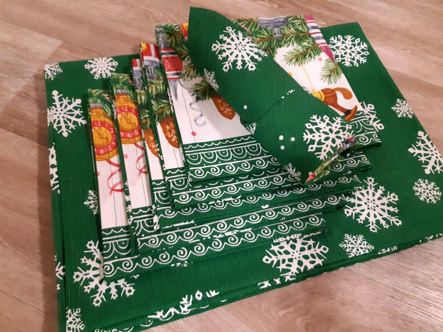 Новогодняя скатерть с салфетками