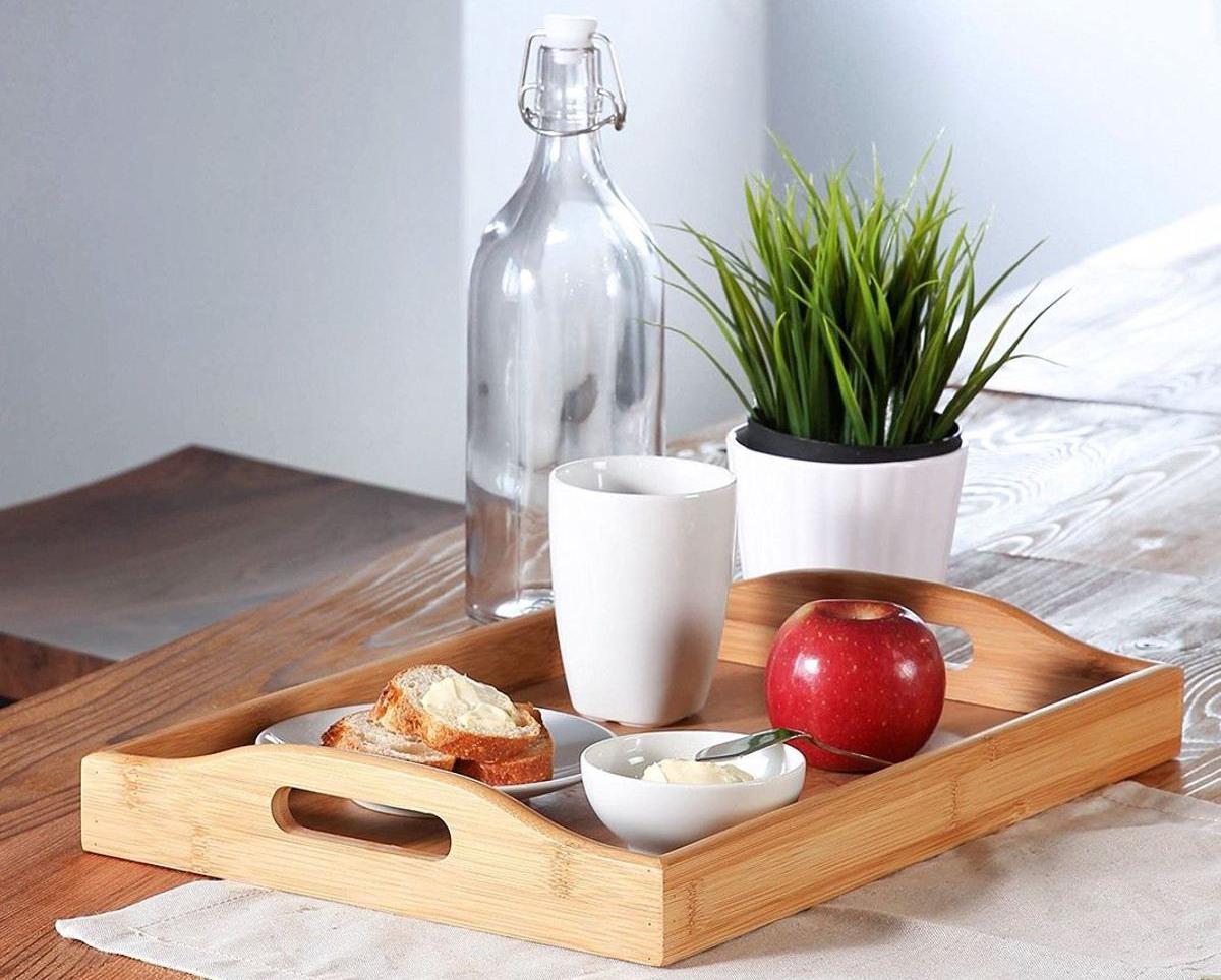 Деревянный поднос для завтрака
