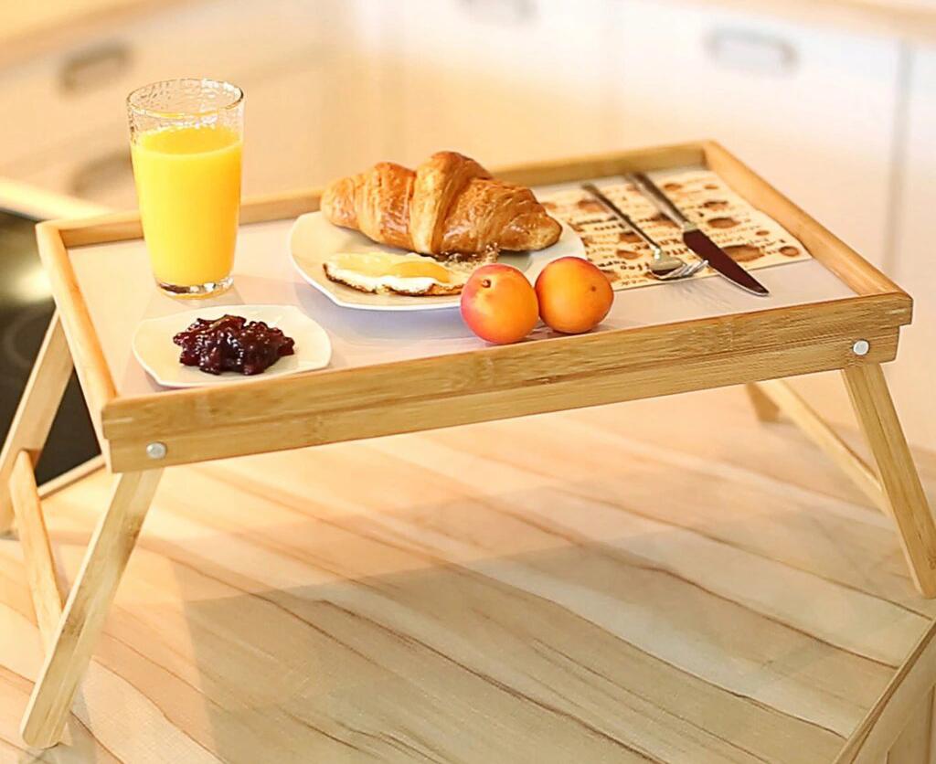 Поднос с завтраком