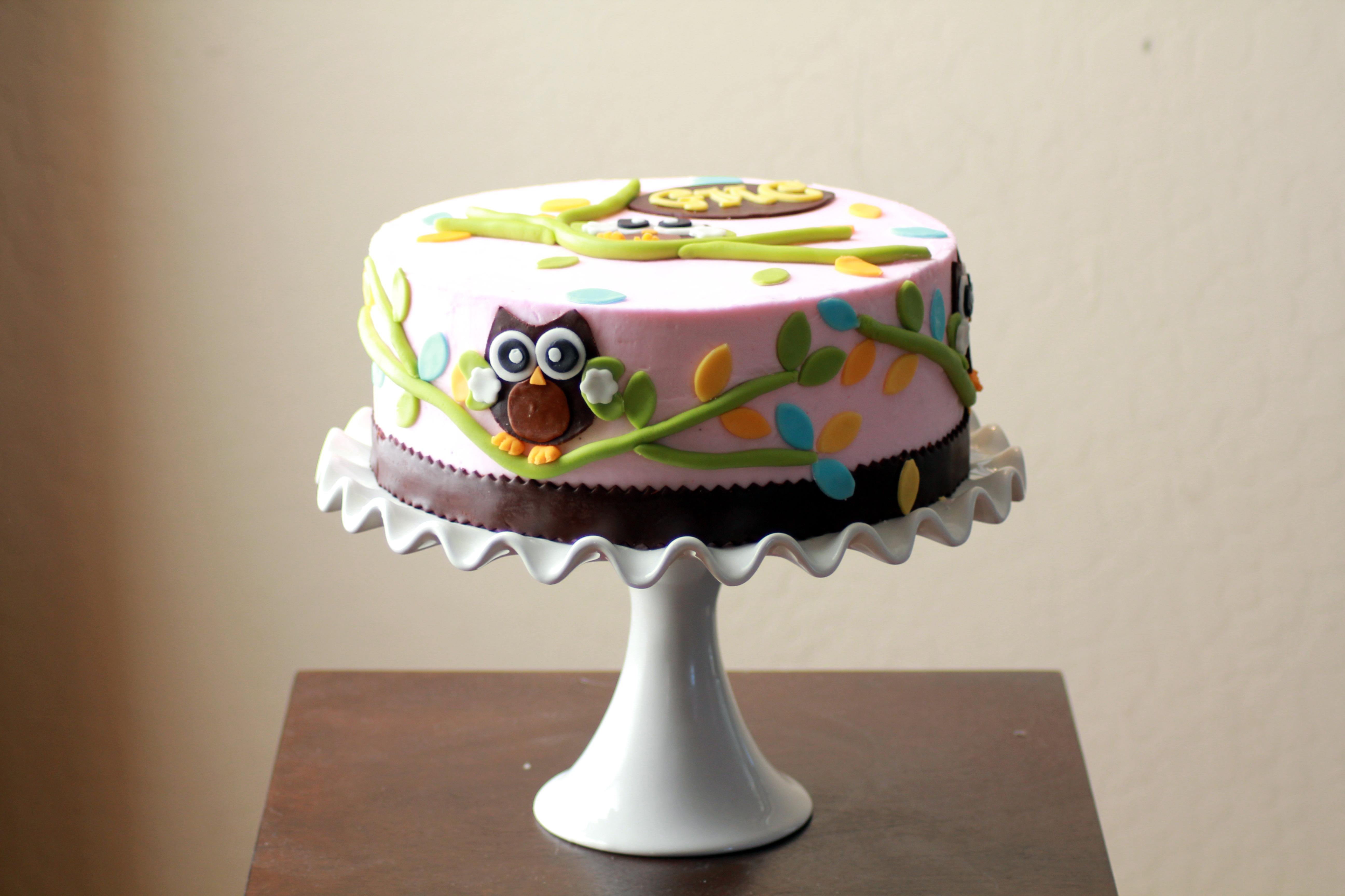 Подставка с детским тортом