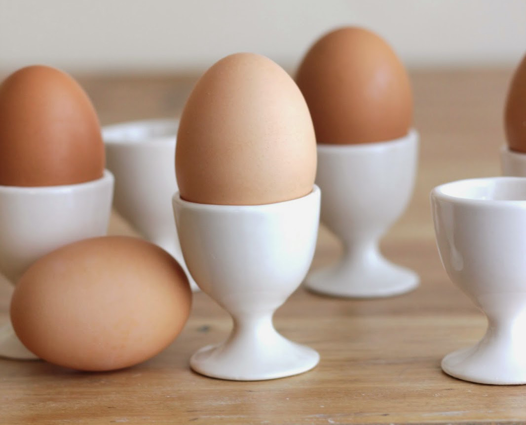 Подставки для яиц на ножках
