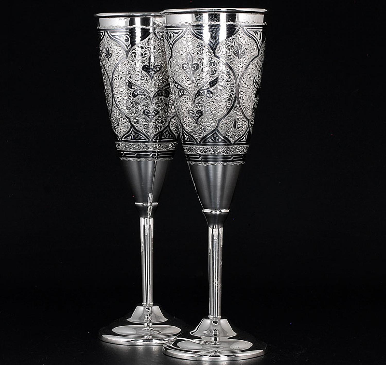 Серебряные бокалы для шампанского