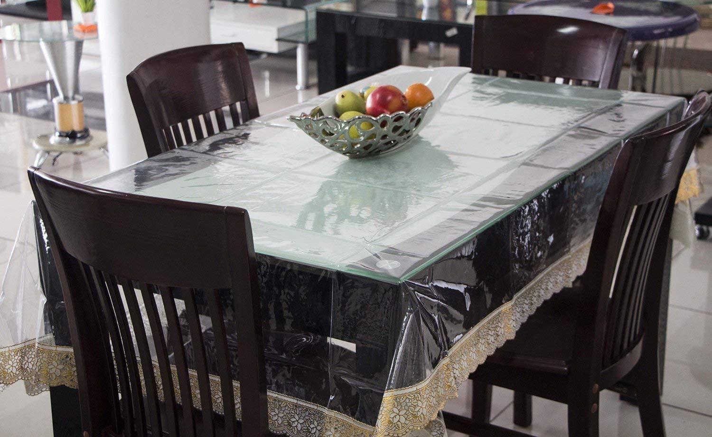 Скатерть прозрачная на столе