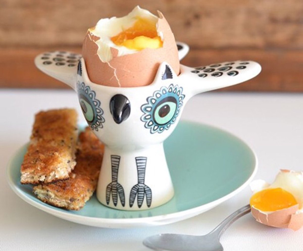 Яйцо всмятку на подставке