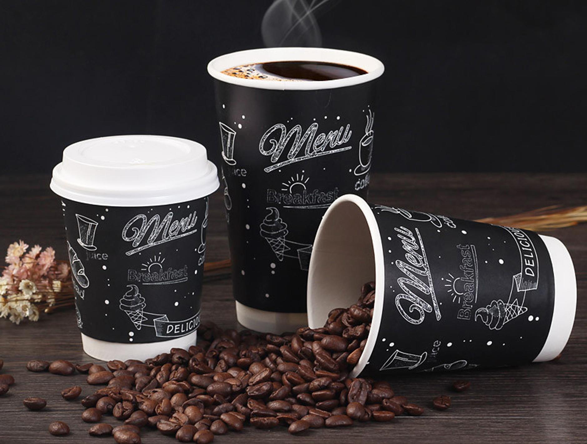 Кофе в крафтовых стаканах