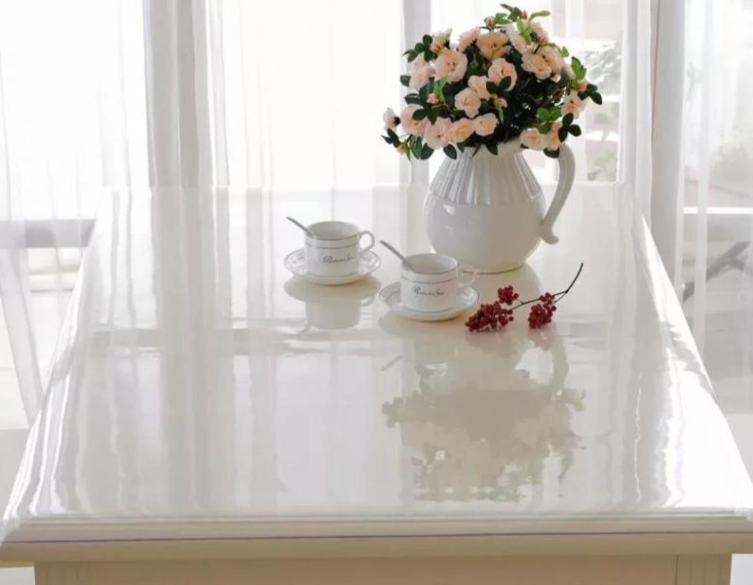Фото силиконовой скатерти на столе