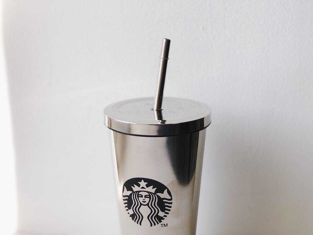 Фото стакана с трубочкой из стали
