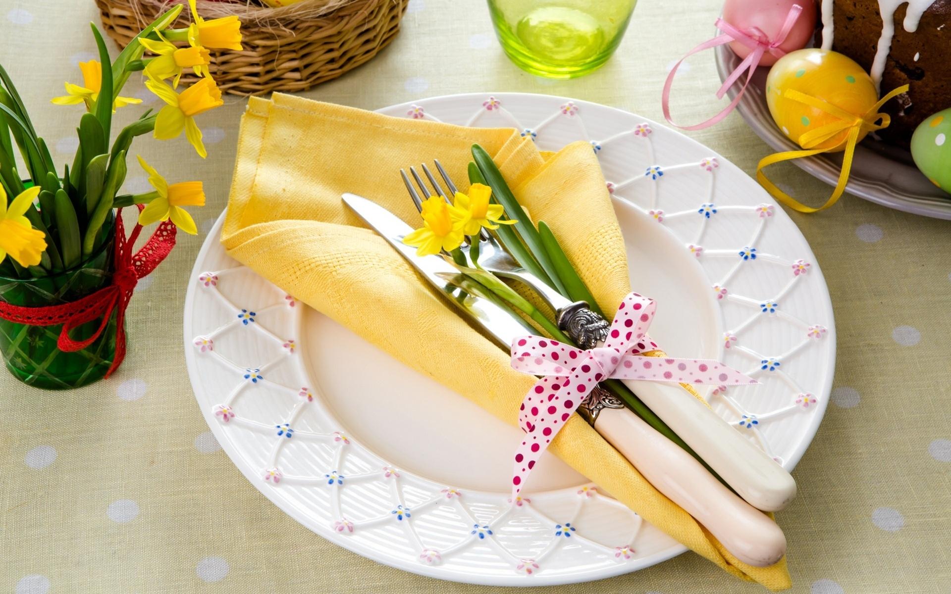 Украшение пасхального стола салфетками