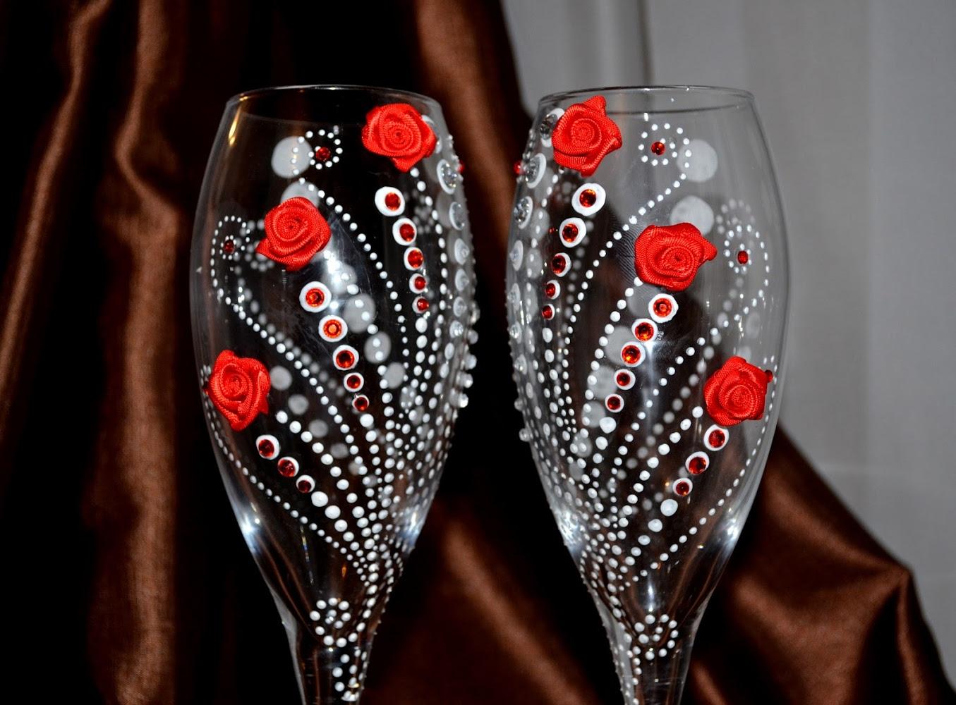 Фото бокалов с украшением